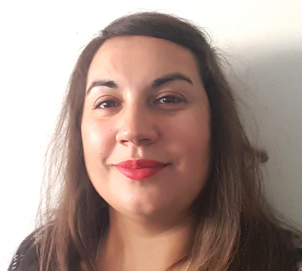 Lucia das Neves blog author photo